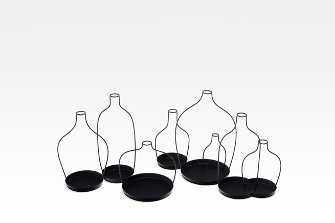 thin black lines27-vase