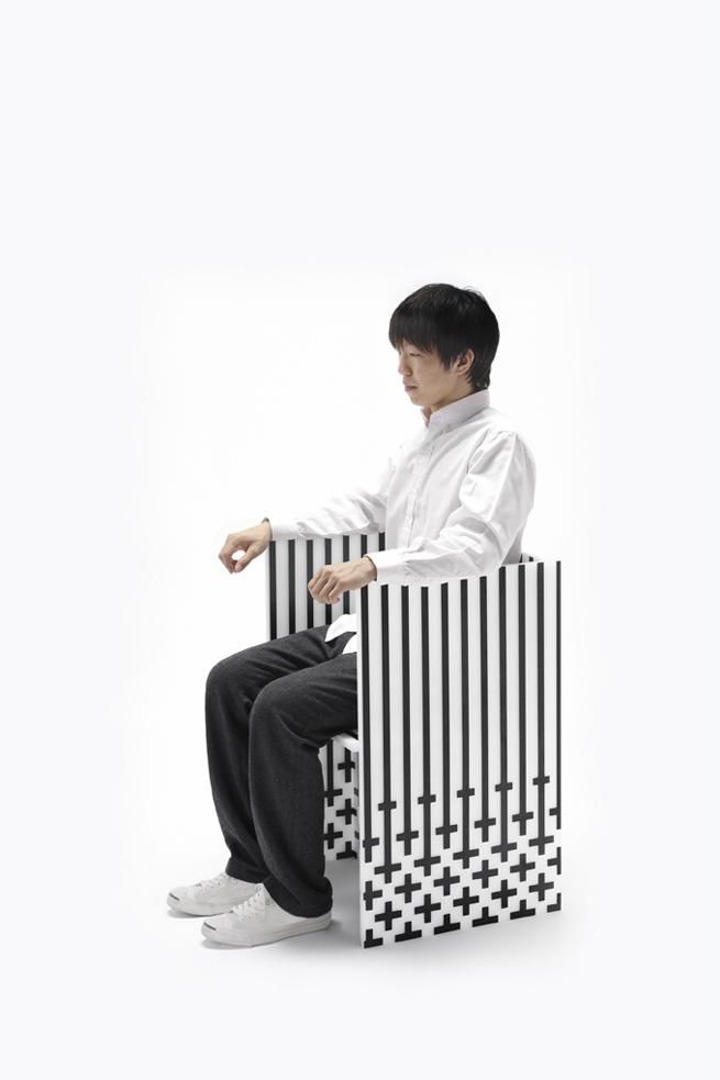 foam+carbon_armchair04