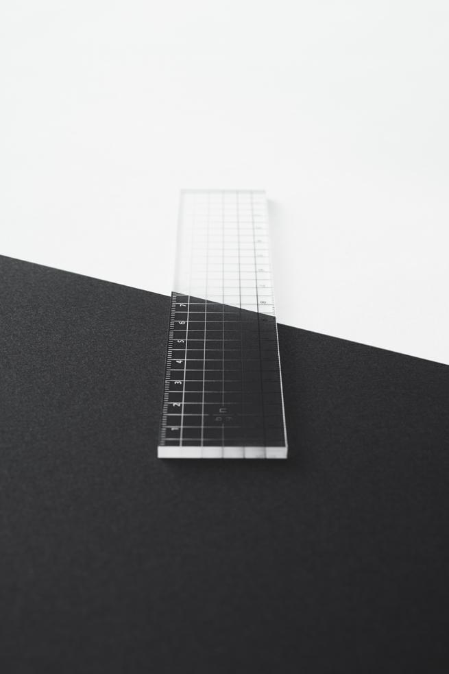 contrast_ruler04_akihiro_yoshida